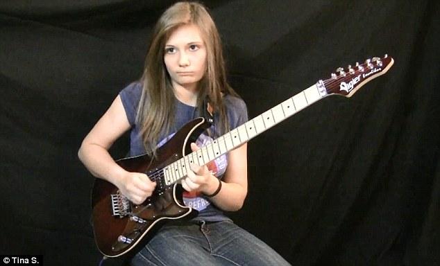 bored-guitarist