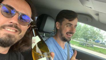OLiX și cu mine în drum spre Galați, vorbind despre podcast